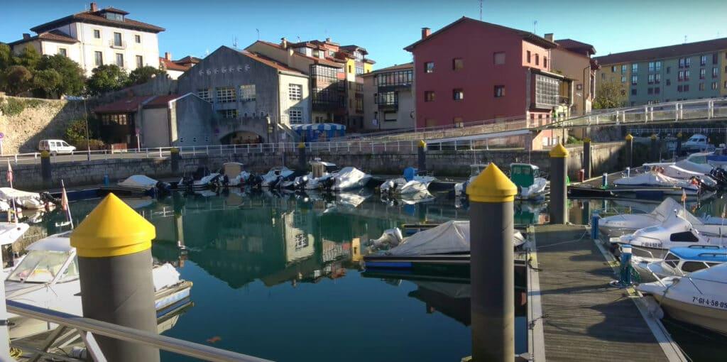 puerto de pesca y deportivo de llanes